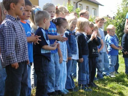 Kinder der Kindertagesstätte Regenbogen